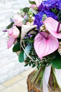 bukiety okolicznościowe flower box pudelka kwiatowe